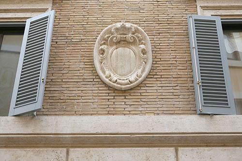 restauro vetrina roma 3