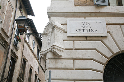 restauro vetrina roma 4