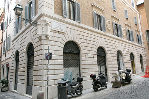restauro vetrina roma 5